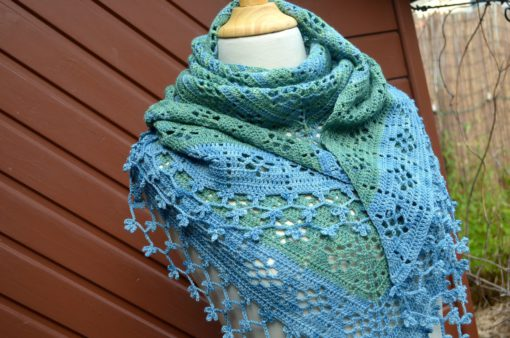 Crochet shawl pattern: fruity shawl | Vicarno